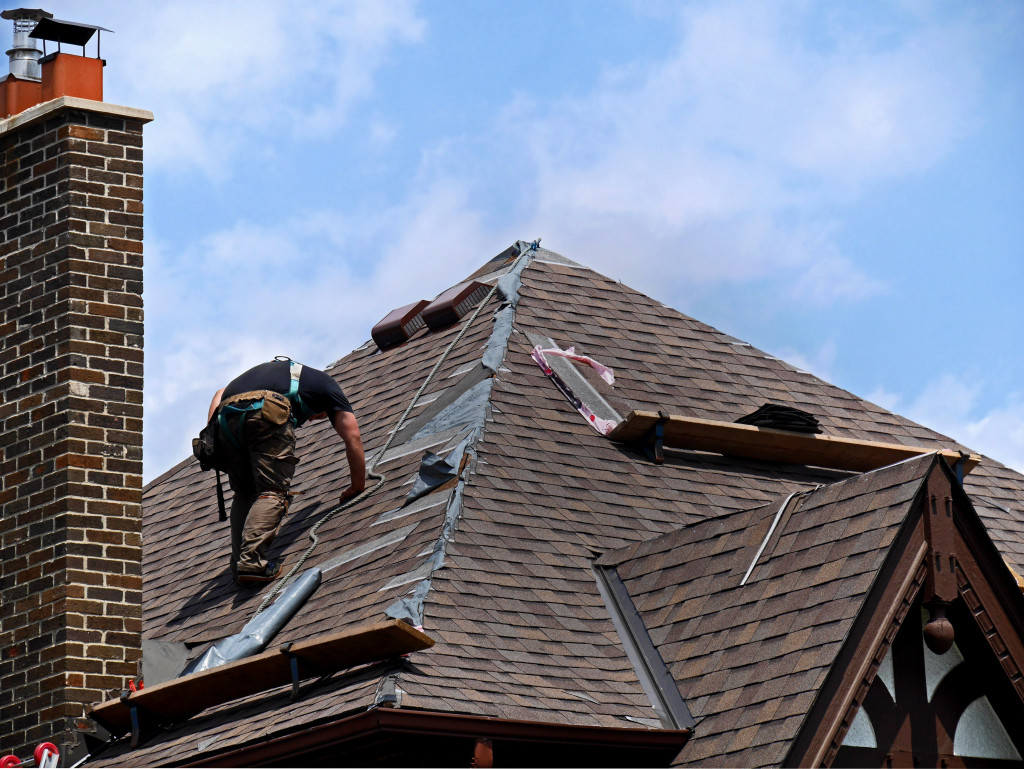 Five Tips on Hiring the Right Roofer